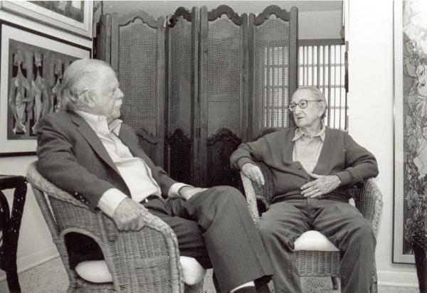 José Lorenzo Fuentes y Cundo Bermúdez en la casa del pintor. Miami, 2001.