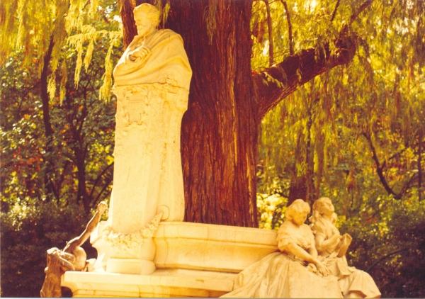 Monumento a Bécquer. Parque de Maria Luisa. Sevilla.