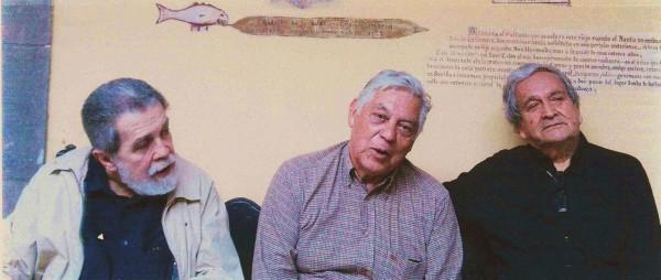 De derecha a izquierda: MDM, Osvaldo Rodríguez y Omar Lara. Casa de Colón, Las Palmas de Gran Canaria. (Foto: Zenaida Suárez.)