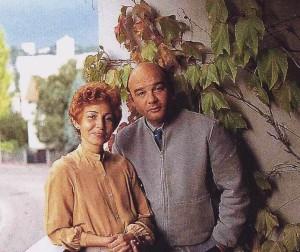 Sarduy y Mercedes, su hermana. (Sceaux, Francia, 1985.)