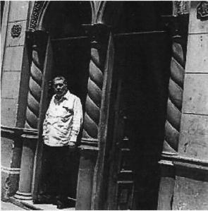 José Lezama Lima en su casa.