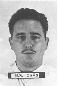 Fidel Castro fichado por la policía como asaltante del cuartel Moncada.