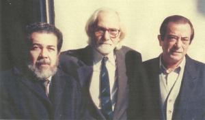 De izquierda a derecha: MDM, Egito Gonçalves y José Agustín Goytisolo. (Foto en Turín, Italia, 1990.)